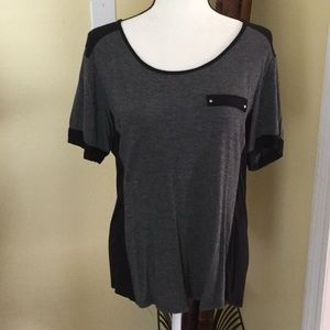 Charcoal/black short sleeve top